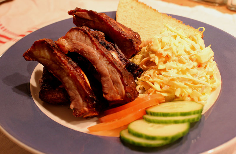 baby-back-ribs-bbq-med-cole-and-carrotslaw.jpg